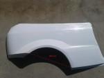 Zadní blatníky Ford Focus.Cena v základním provedení za 1 kus: 3 000,- Kč. Váha cca2,5 kg.